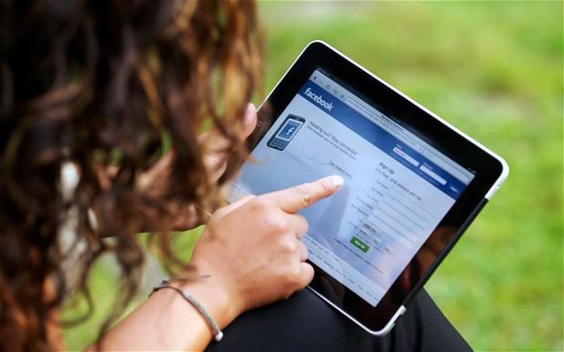 facebook-woman-OpinionatedMale.com