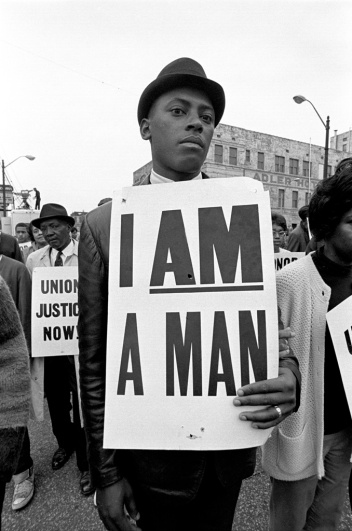 Mourner at Martin Luther King's memorial - OpinionatedMale.com